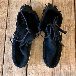 Minnetonka hard sole moccasins 7